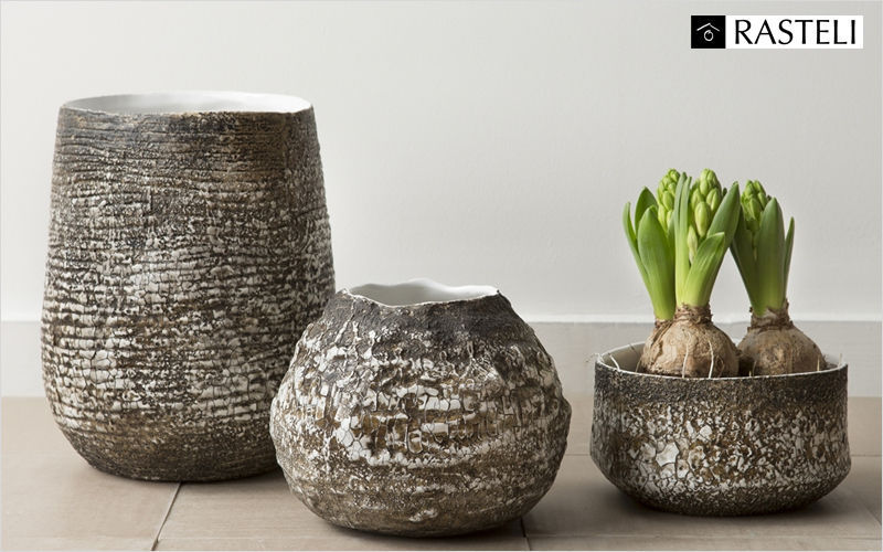 Cache pot pots de jardin decofinder - Cache pot interieur design ...