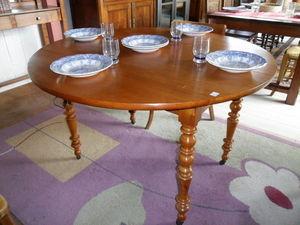 Loic Bougo - table ronde - Table De Repas Ronde