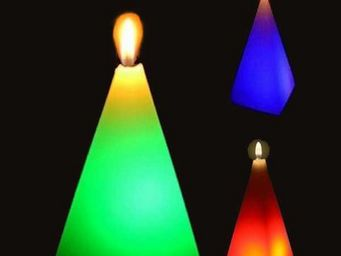 ZEN LIGHT - 3 bougies en cire pyramide �clairage led 7x7x10cm - Bougie Led