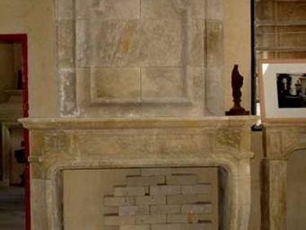 Atelier Alain Edouard Bidal - cheminées à trumeau vieillie et patinée - Manteau De Cheminée
