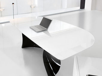 ITALY DREAM DESIGN - ola-black and white. design mario mazzer - Bureau De Direction