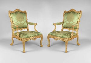 F P FINE ART - pair of george ii giltwood armchairs - Fauteuil � La Reine