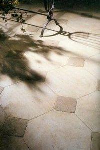 Steve Charles - antique stone floor - Carrelage De Sol