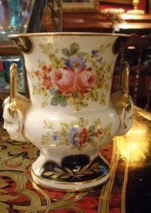 Art & Antiques - vase en vieux paris - Vase Décoratif