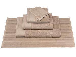 BLANC CERISE - drap de douche - coton peigné 600 g/m² - uni - Tapis De Bain