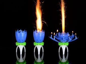La Chaise Longue - bougie magique birthday bleu - Bougeoir