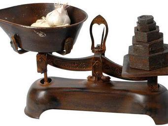 Antic Line Creations - balance rétro rouillée avec poids - Balance De Cuisine Mécanique