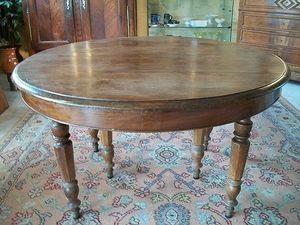 Le Grenier de Matignon - table ronde 6 pieds en noyer de la fin du xixe sie - Table De Repas Ronde