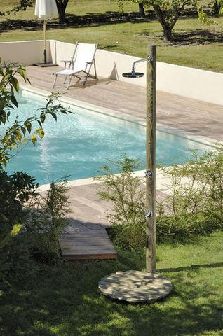 Douche En Bois De Jardin : Douches de jardin – Douche d'ext?rieur-Douches de jardin-PILOTIS