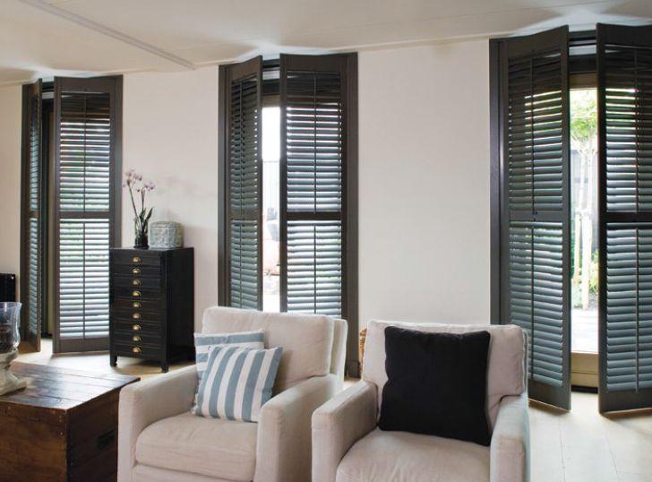 shutters persiennes mobiles volet int rieur noir jasno. Black Bedroom Furniture Sets. Home Design Ideas