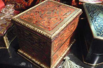 Art & Antiques - Coffret à parfum-Art & Antiques-Coffret à senteur en marqueterie Boulle toutes fac
