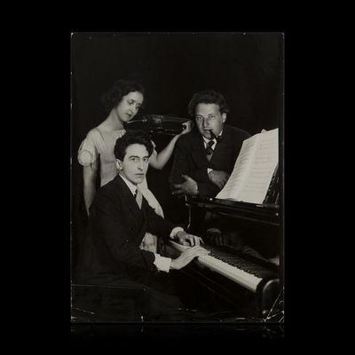 Expertissim - Photographie-Expertissim-COCTEAU Jean (1889-1963) avec Arthur Honegger et A