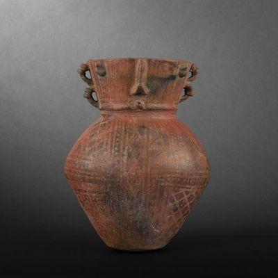 Expertissim - Objet d'art précolombien-Expertissim-Vase-figure en céramique. Equateur, Carchi