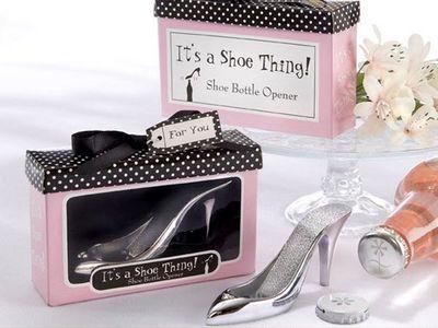WHITE LABEL - Décapsuleur-WHITE LABEL-Décapsuleur ouvre bouteille design chaussure à tal