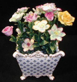 Demeure et Jardin - Cache-pot-Demeure et Jardin-Vase carré avec fleurs