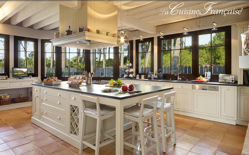 LA CUISINE FRANCAISE Traditional kitchen Fitted kitchens Kitchen Equipment Kitchen | Classic