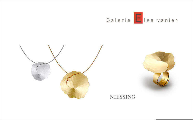 Galerie ELSA VANIER Pendent Jewelry Beyond decoration  |