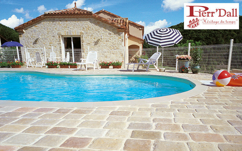 Pierr' Dall Pool deck Kerbs and borders Swimming pools and Spa Garden-Pool | Cottage
