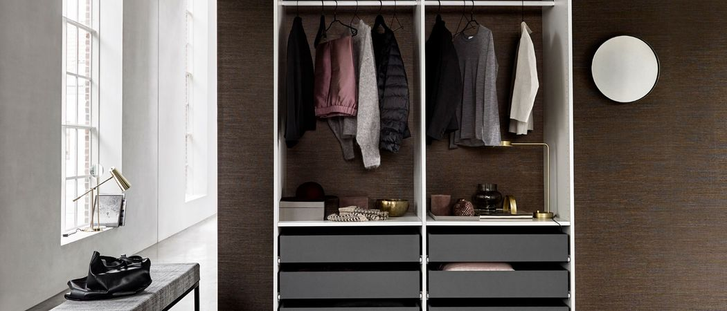 KVIK Straight Walk-in Closet Dressing rooms Wardrobe and Accessories  |