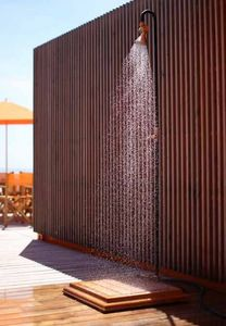 D'un Jardin A L' Autre Outdoor shower
