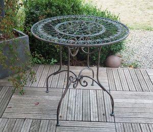 Demeure Et Jardin Garden side table