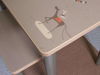 ICI LA TERRE - petit bureau chambre d'enfant circus - Children's Table