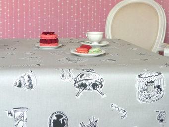 FLEUR DE SOLEIL - nappe enduite paris gris 160x160 - Coated Tablecloth