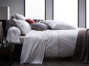 BLANC CERISE - blanche cerise - Bed Linen Set
