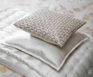 GINGERLILY -  - Square Cushion