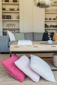 Couleur Chanvre - couleur litchi, rose tendre,perle - Cushion Cover