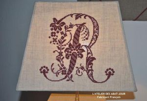 L'ATELIER DES ABAT-JOUR -  - Embroidered Lampshade