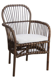 Aubry-Gaspard - fauteuil en rotin gris avec coussin - Armchair