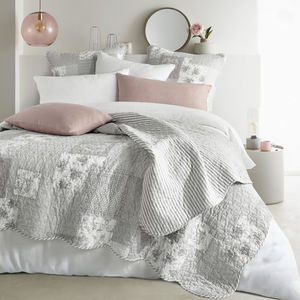 Bouchara -  - Quilted Blanket