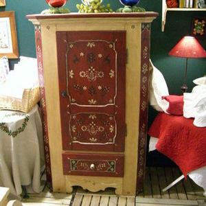 Arts Et Collections d'Alsace - alsace - Bonnetiere Cupboard