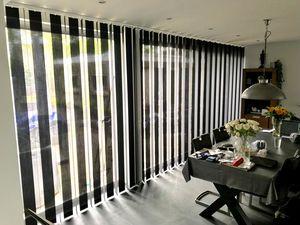 JASNO - store à lamelles verticales revisite - Blind With Vertical Stripes