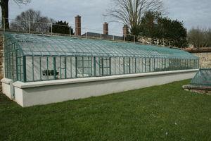 FERRONNERIE VAUZELLE -  - Standing Greenhouse