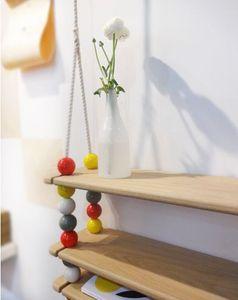 LES CONFIDENTIELLES -  - Children's Shelf