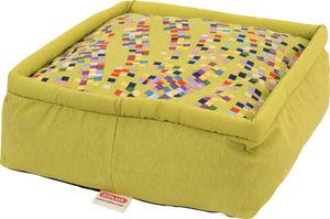 ZOLUX - pouf graffiti vert en tissu et ouate déhoussable 4 - Dog Bed