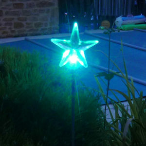 FEERIE SOLAIRE - pic solaire etoile lumineuse 5 couleurs 76cm - Garden Candle Holder