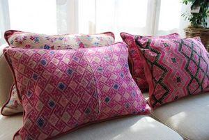 ORNAMENTA -  - Rectangular Cushion