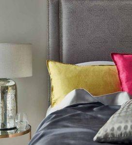 JAMES HARE -  - Rectangular Cushion