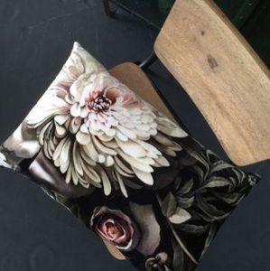ELLIE - dark floral  - Rectangular Cushion