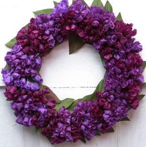 Rosemarie Schulz - violettes artificielles - Flower Wreath