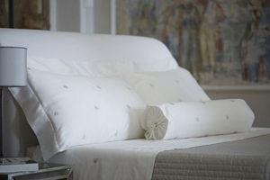 Mastro Raphaël - api - Pillowcase