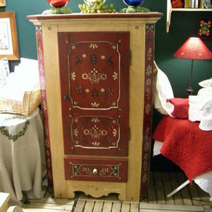 Arts Et Collections d'Alsace - alsace - Bonnetiere Cupboard