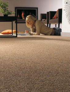 AssOCIATED WEAVERS EUROPE -  - Fitted Carpet