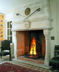Jean Magnan Cheminees - gothique du xvi ème - Open Fireplace