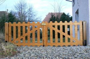Découp'Bois - barrière - Entrance Gate