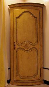 Antiques Forain -  - Corner Cupboard