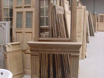 Antiek-Bouw -  - Fireplace Mantel